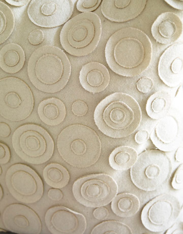 54c9398e563f0_-_0510-warner-10-white-circle-fabric-felt-de